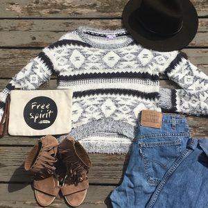 Fuzzy geometric sweater, western look